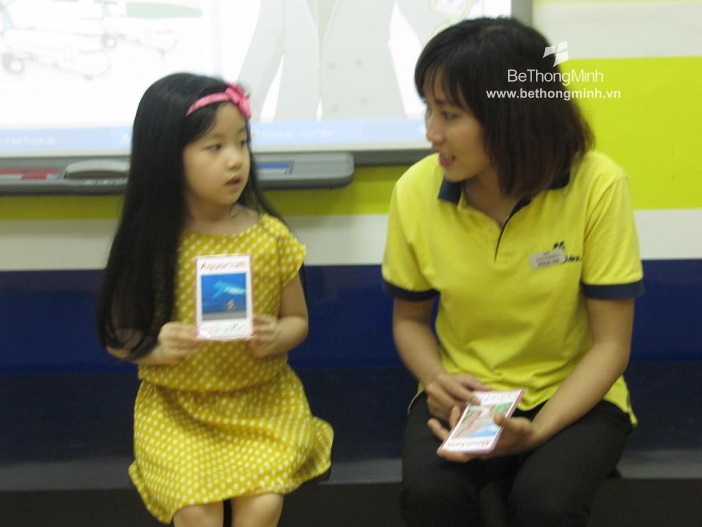Dạy tiếng Anh với thẻ học tập cho trẻ nhỏ