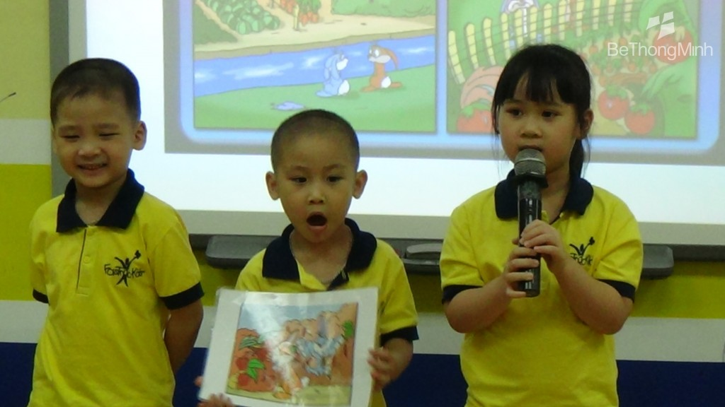 Trẻ nhỏ thể hiện tình yêu văn học qua những câu chuyện