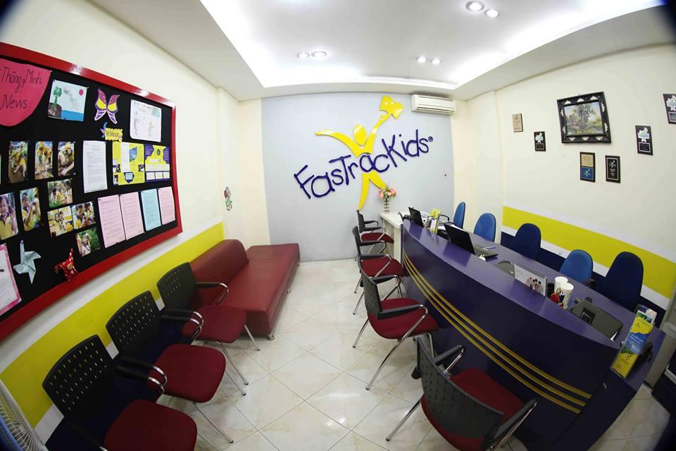 Cha mẹ được chia sẻ phương pháp dạy con tại Trung tâm Bé Thông Minh