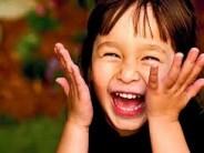 tăng cường miễn dịch cho trẻ, tiếng cười là liều thuốc vô giá cho trẻ, giúp trẻ dễ dàng kết bạn, giúp trẻ kiểm soát cảm xúc,