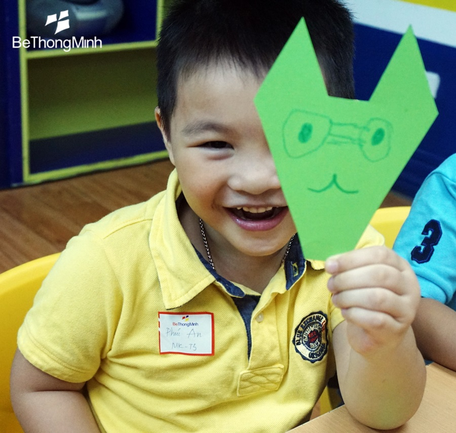 trẻ suy nghĩ tích cực luôn được hạnh phúc