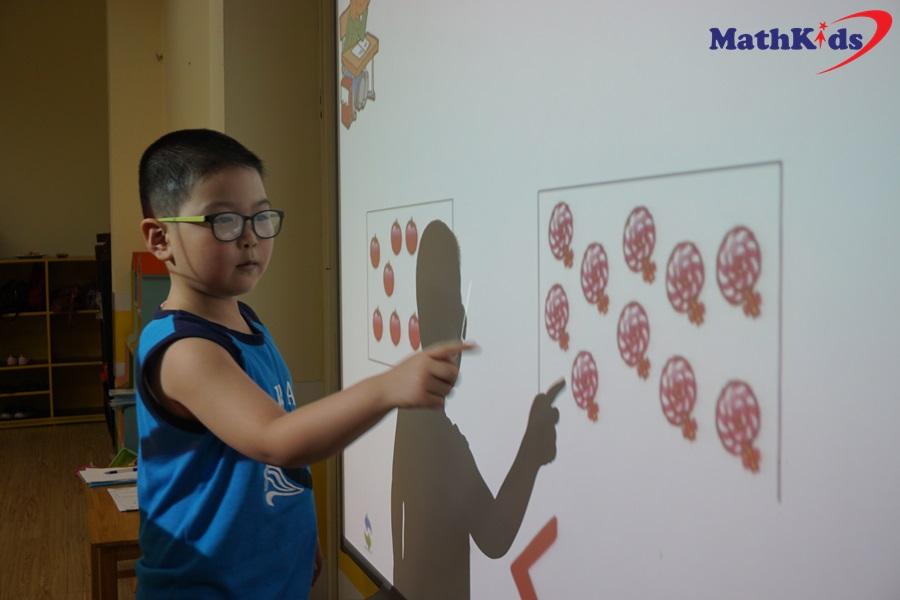 Vui Toán học cùng MathKids