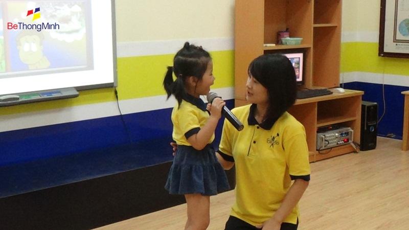 FasTracKids giúp trẻ rèn luyện kỹ năng giao tiếp
