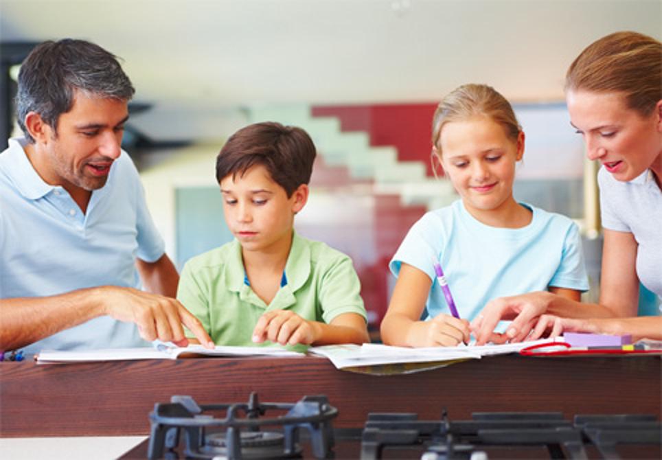 xây dựng mối quan hệ tốt giữa cha mẹ và con cái
