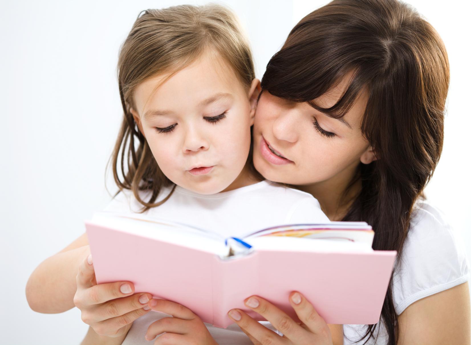 Đọc sách cho trẻ là việc làm cần thiết